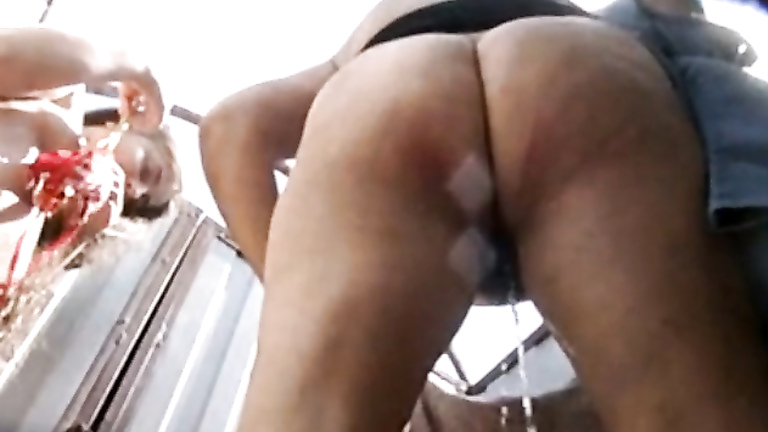 Beach cabin pissing porn images