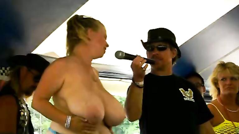 suck those nipples