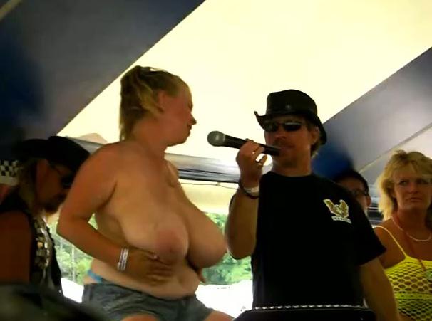 Big Tits Fondled Public