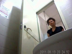 Hairy box girl pissing in voyeur camera footage
