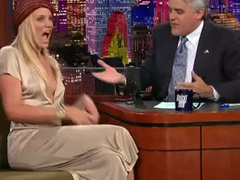 Cameron Diaz cleavage on a talk show