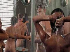 Dina Meyer topless in Starship Troopers scene
