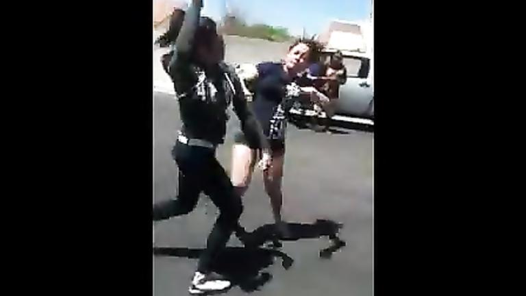 Girls' catfight caught on cam