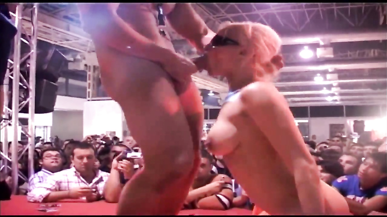 Two blonde bombshells get nailed really hard in front of an audience