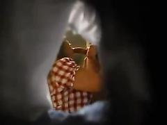 Hidden camera films the girl's first blowjob