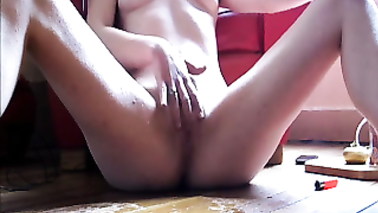 Solo Female Teen Squirt