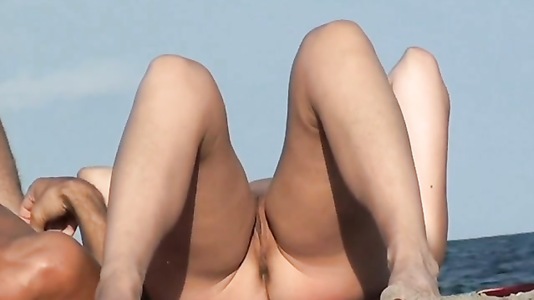 Naked chubby girl in bathroom-5921