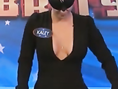 Kaley Cuoco cleavage on talk show