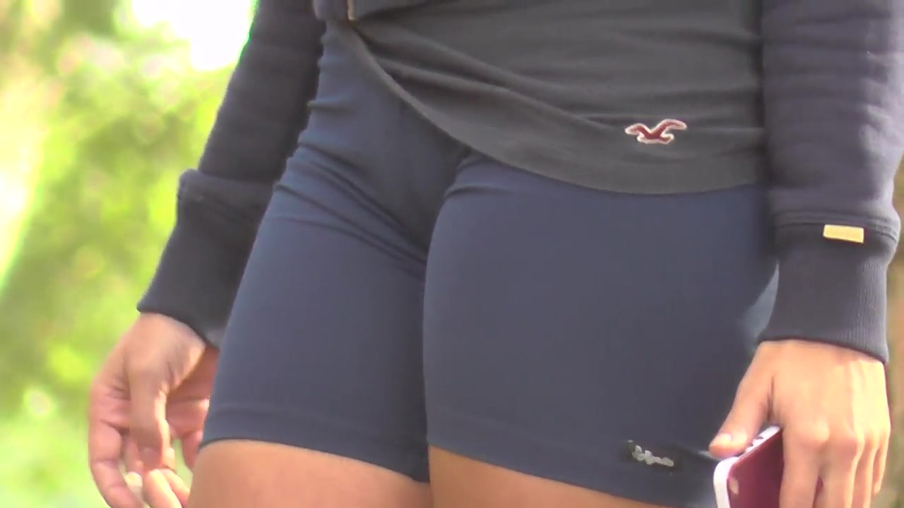 Girl in the skintight sporty shorts has a sexy cameltoe | voyeurstyle.com