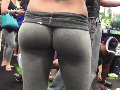 Sexy spandex ass at the fitness convention