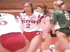 Female volleyball players and their juicy buttocks