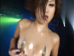 Amazing Asian dolls doing the erotic show