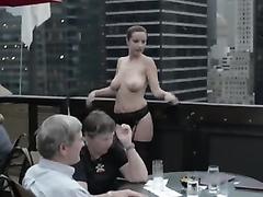 Girl goes nude in the prestigious restaurant