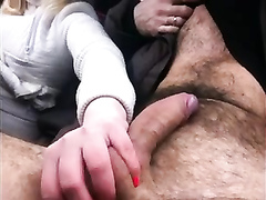 Quick car handjob makes him cum hard