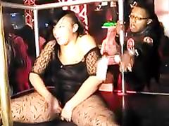 Chubby stripper shows off her fine ass